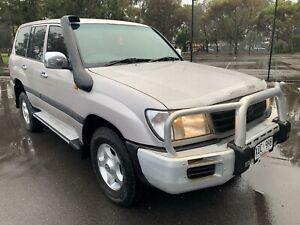 2002 Toyota Land Cruiser GXL (4x4)