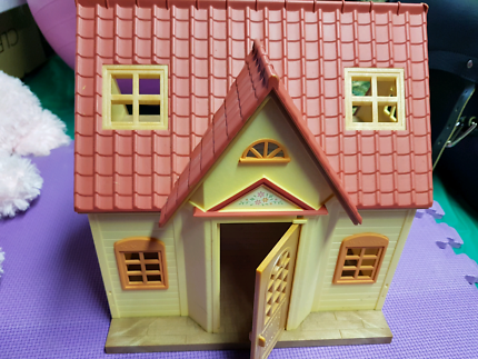 Sylvanian Family cosy cottage