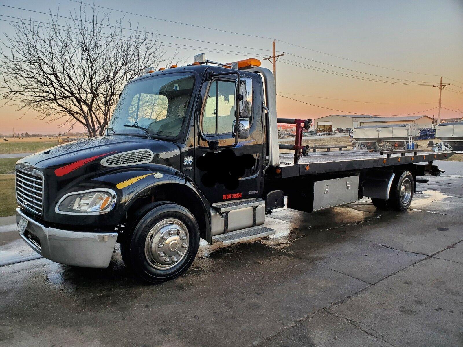 2007 Freightliner M2 Flatbed Tow Truck wrecker