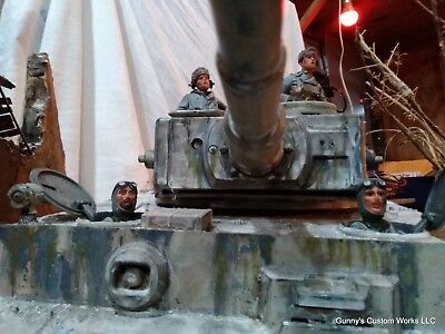 Assorted 4 Man Winter German Tank Crew 1/16 scale for sale  Reserve
