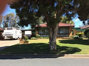 Exceptional 160 sqm house on 975 sqm block. Tolland Wagga Wagga City Preview