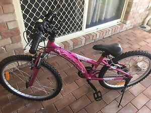 Girls bike as new Eatons Hill Pine Rivers Area Preview
