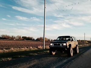 1989 Toyota 4Runner with parts truck