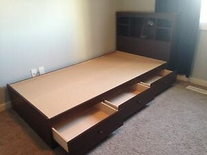 3 Drawer Mates Bed With Reversible Head Board  Strathcona County Edmonton Area image 1