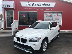 2012 BMW X1 28i AWD SUNROOF  LEATHER low kms