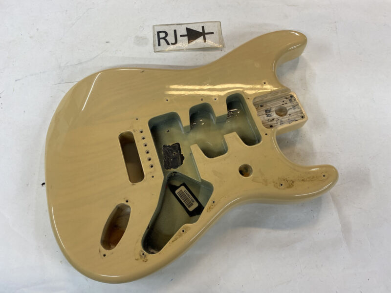 2008 Fender Mexican Stratocaster Electric Guitar Body MIM Honey Blonde Ash