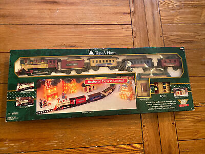 1997's HO Gauge Train Set - Bayberry Express Limited - Christmas Village