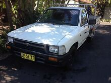 Toyota Hilux 5 speed manual Sandy Beach Coffs Harbour Area Preview