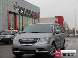 2016 Chrysler Town and Country Touring-l 32,105 kilometres