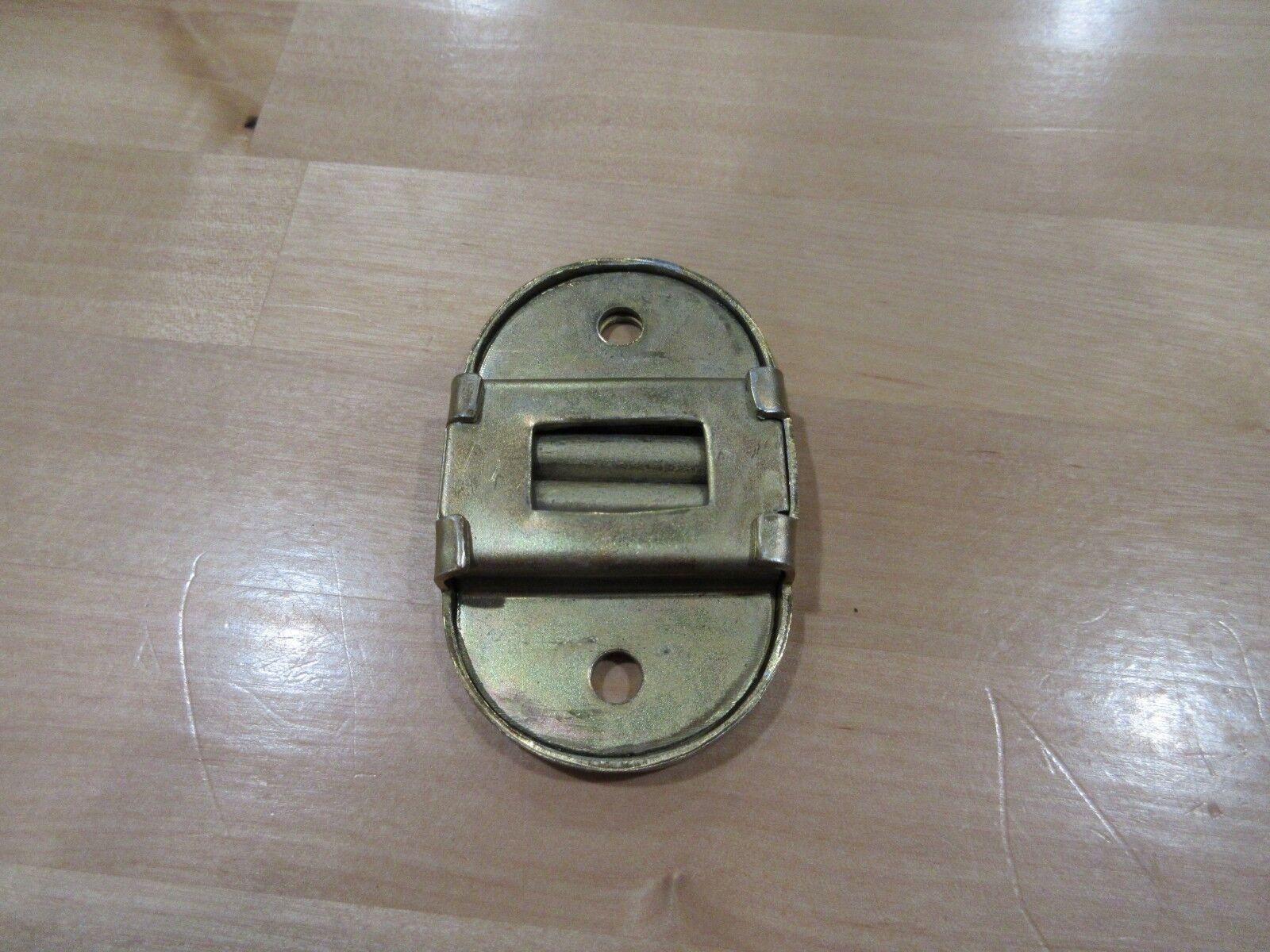 CJ2A CJ3A CJ3B REAR SEAT CATCH LEG LOCK ASSEMBLY LATCH WILLYS WAGON JEEP CPR102