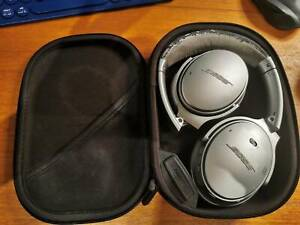 BOSE QC35 Wireless headphones - noise cancelling