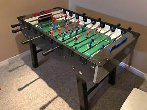 Gitoni Foosball table - like new, hardly used
