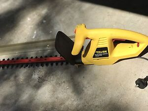 Hedge trimmer Talon AT203A22 Bayview Pittwater Area Preview