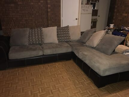 5 seater lounge very good condition