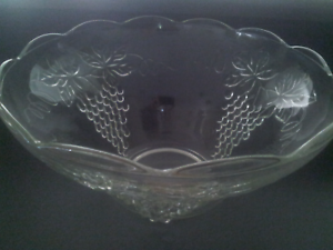 Crystal glass punch bowl with 12 glasses Old Reynella Morphett Vale Area Preview