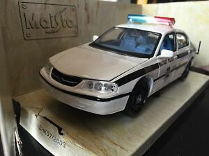 1/24 Chevy Impala Military Police Die Cast model car