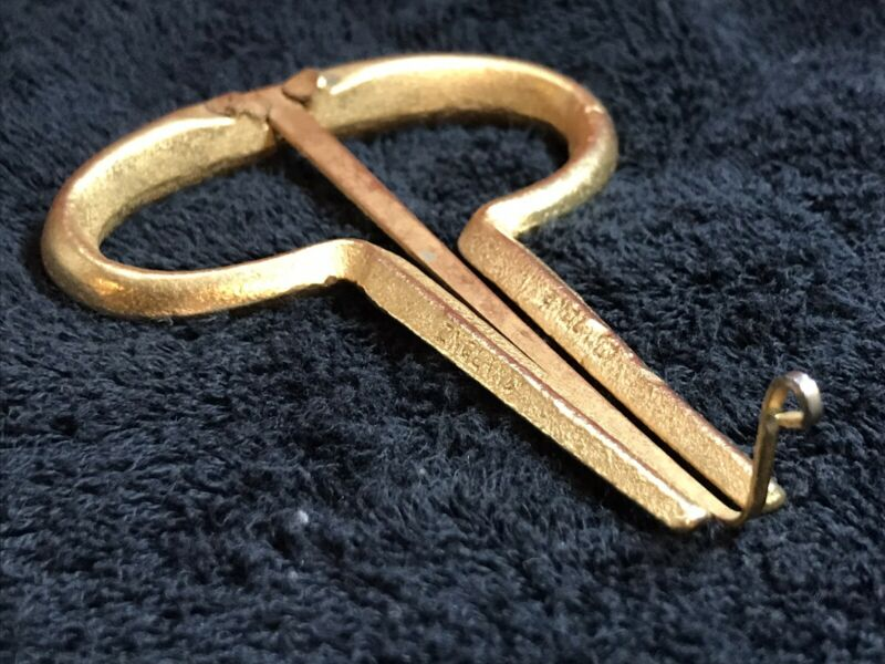 "Vintage Brass Gold 4 1/4"" Jew"