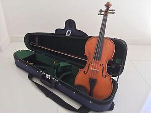 Gliga III 4/4 Violin + Extras Daisy Hill Logan Area Preview