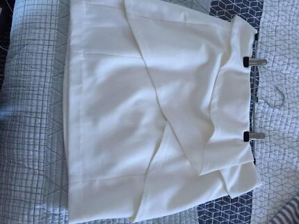 white Witchery skirt size 10 Arncliffe Rockdale Area Preview