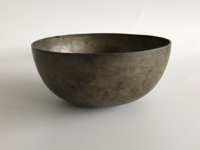 Chinese Tang Dynasty 8th century bronze buddhist alms bowl