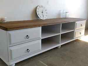 Rustic  Shabby Chic and French Country Farmhouse Furniture style Griffin Pine Rivers Area Preview