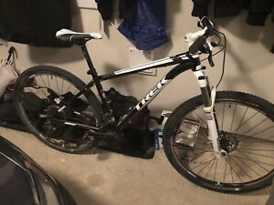 Trek X-Calibur 8 29er Mountain Bike (Hard Tail)