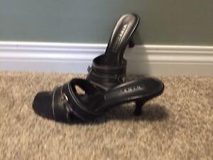 Size 8 Kitten Heel Sandal - Black