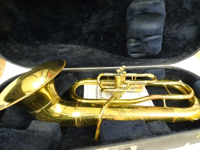 Getzen Brass Baritone Horn Elkhorn Wisconsin Standard w Case 3 Mouthpieces