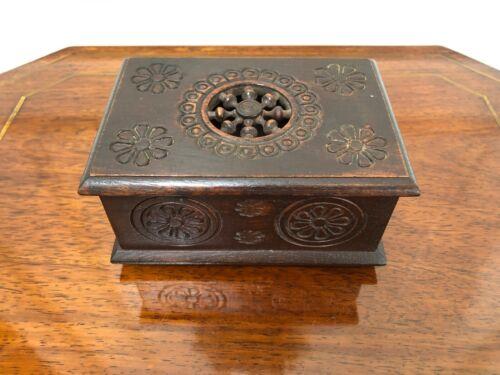 ANTIQUE VINTAGE BRETON BRITTANY HAND CARVED WOOD TRINKET JEWELRY BOX