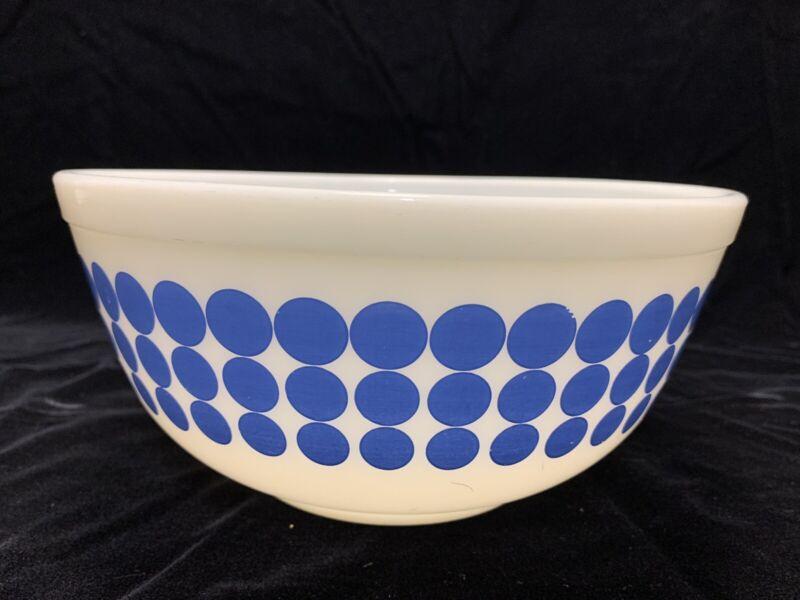 Vintage Pyrex 403 Blue Dot Nesting Mixing Bowl 2.5Qt 403