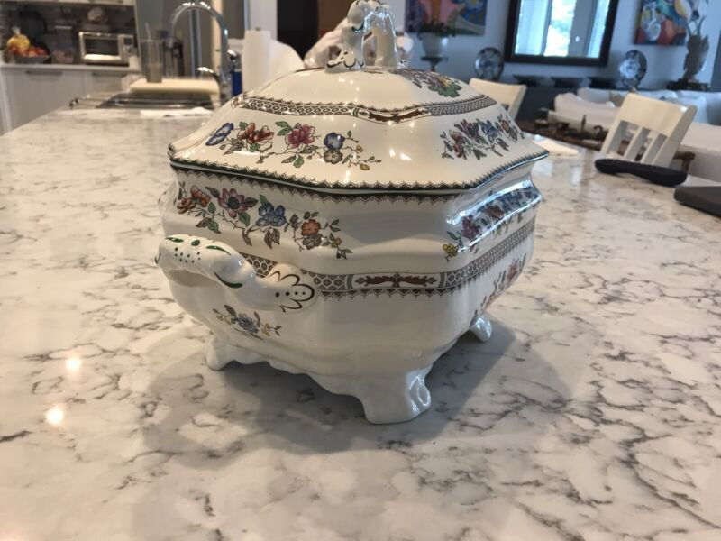 MINT LARGE SPODE CHINESE ROSE SOUP TUREEN