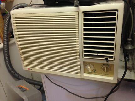 window aircon unit vgc $200