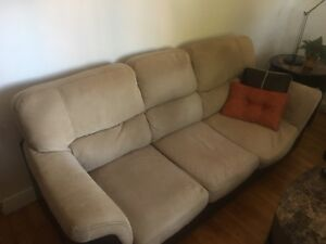 2 sofas - 2 couches