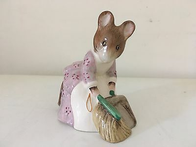 Royal Albert Beatrix Potter - Hunca Munca Sweeping - 1977/1989
