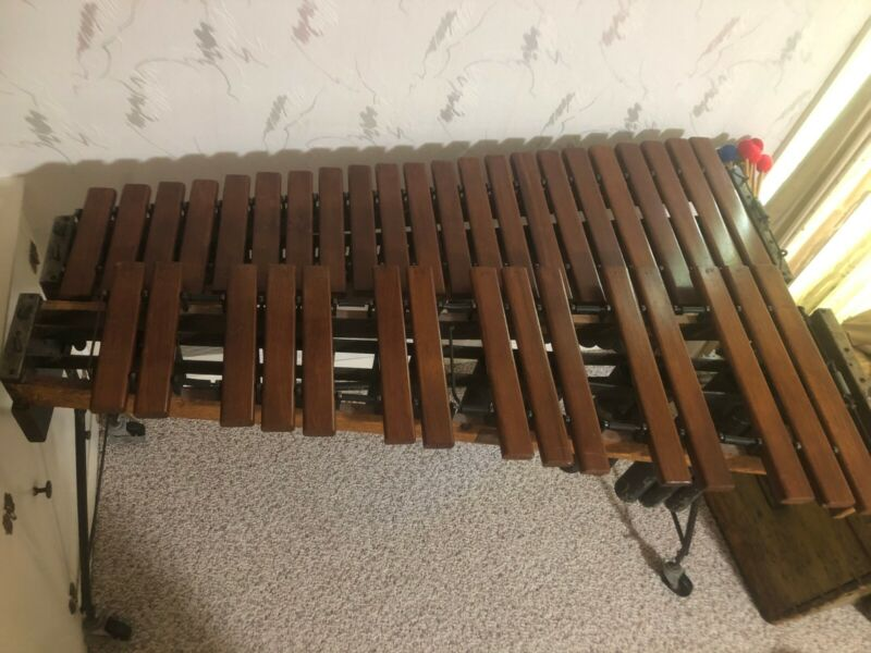 Deagan Rosewood Marimba No 350 Early 1900s (1918-1925) + 5 pairs of mallets