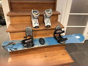 Snowboard avec bottes pour femme (taille 8)