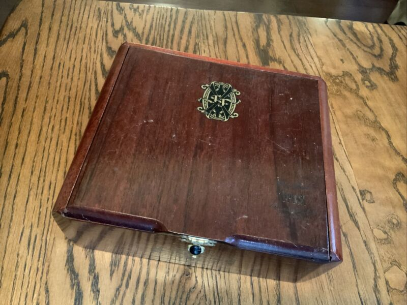 Chateau De la Fuente, OpusX Opus Perfection #2, Cigar Box, Empty, Dominican