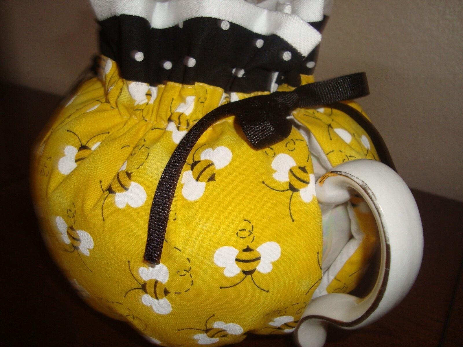 BUMBLEBEE TEA POT COZY