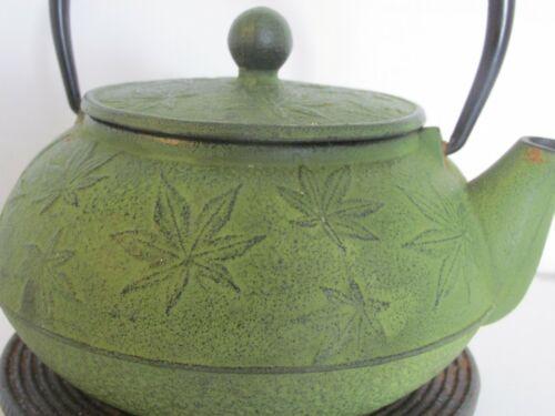 IWACHU Japan Tetsubin Cast Iron marijuana leaf teapot