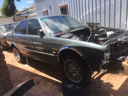 BMW E34 535is shell