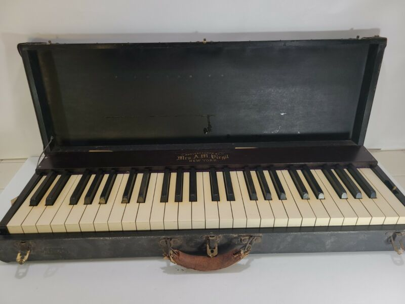 Vintage Mrs. A.M. Virgil New York Silent Practice Piano Keyboard in Case Antique