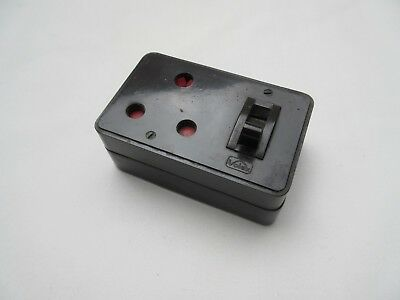 Vintage Volex Bakelite & ceramic 3 pin plug switch socket