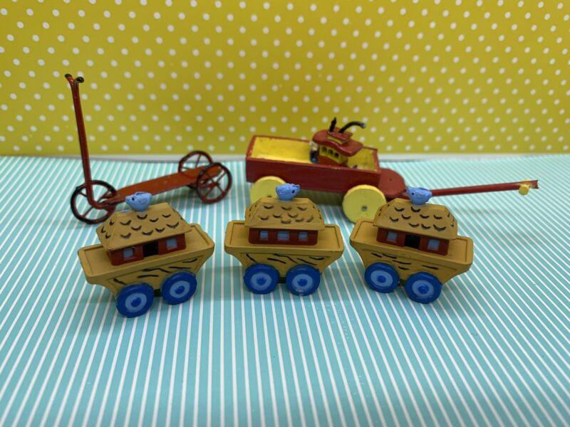 Dolllhouse Toys
