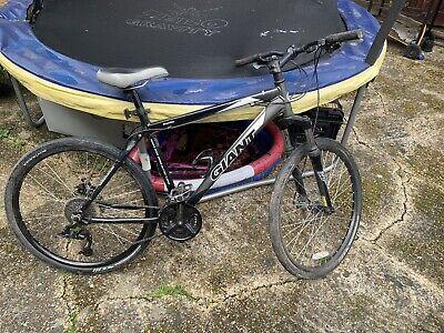Giant Boulder Mountain Bike Size M