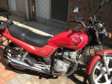 Honda CB 1996