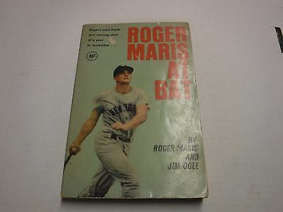 Roger Maris At Bat Book Copyright 1962 Jim Ogle Yankees 061417Jh
