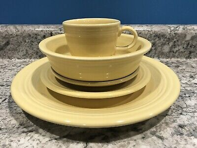 Fiesta Five (5) Piece Place Setting Yellow Fiestaware Excellent Retired Pastel
