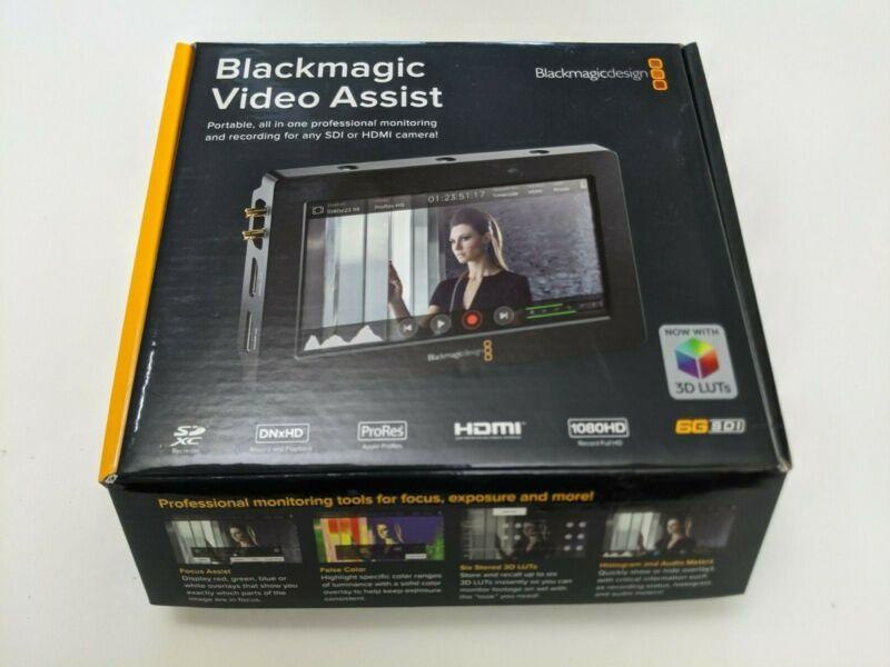 Blackmagic Video Assist 5 in