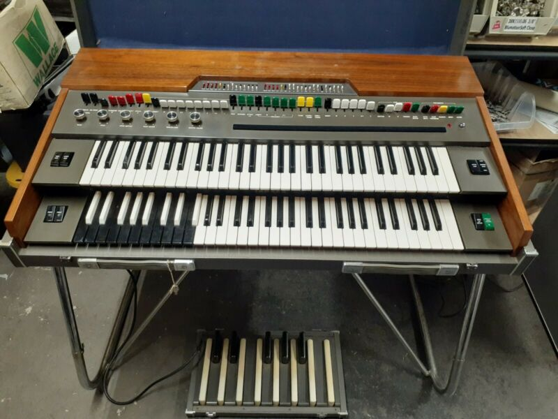 Yamaha YC-45D Electric Organ + RA-50 Rotating Leslie Style Speaker & More!