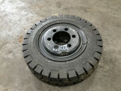 CARLISLE 29x8-15 FORKLIFT TIRE WITH RIM 12 PLY RATING #T166